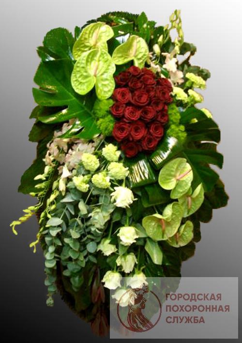 Траурный венок из живых цветов №17