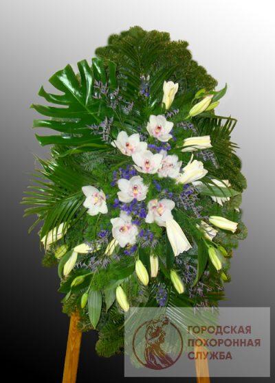Фото 1 - Элитный ритуальный венок из живых цветов №13.