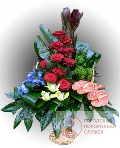 Фото 1 - Ритуальные корзина из живых цветов ЖК-15.