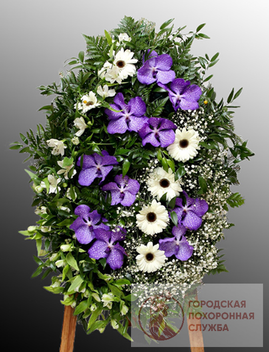 Траурный венок из живых цветов №34
