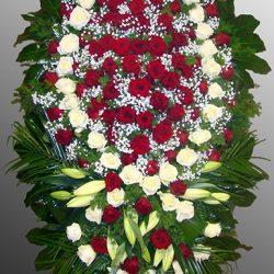 Фото 9 - Траурный венок из живых цветов ВЖЦ-44.