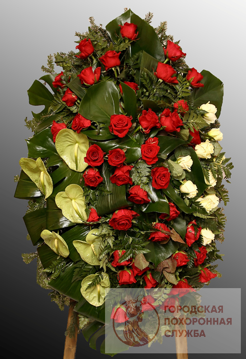 Траурный венок из живых цветов №49