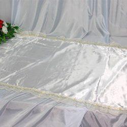 Фото 7 - Похоронное покрывало атлас белое с золотым кружевом ПР-016.