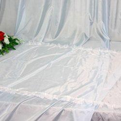 Фото 3 - Похоронное покрывало шелк белое с белым рюшем ПР-002.