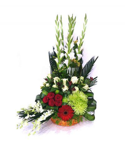 Фото 1 - Ритуальные корзина из живых цветов ЖК-08.
